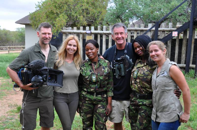 Anneka, Nigel and Michael meet Jade and The Mambas