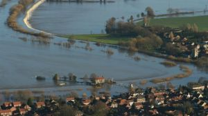 floodwater cawood 27th dec 2015
